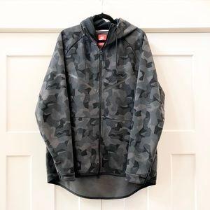 NWOT Men's Nike XXL Black & Gray Camo Sweater